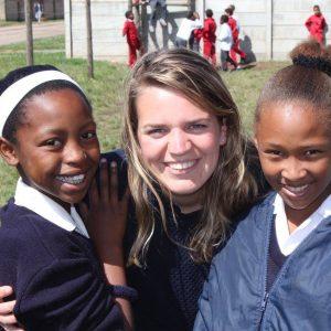 hanka-met-kinderen-afrika